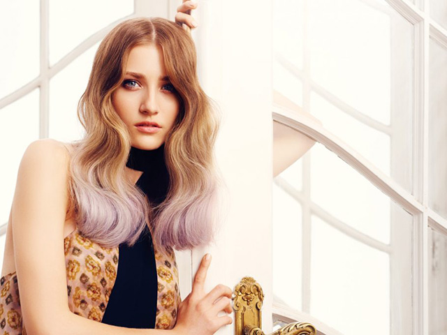 Servizio Colore, capelli punte rosa
